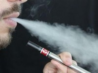 The FMCSA Cautions Commercial Drivers Against E-Cigs